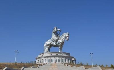 mongolia ulaanbaatar Chengis khan statue