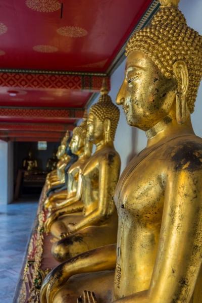 bangkok wat poh buddha statues