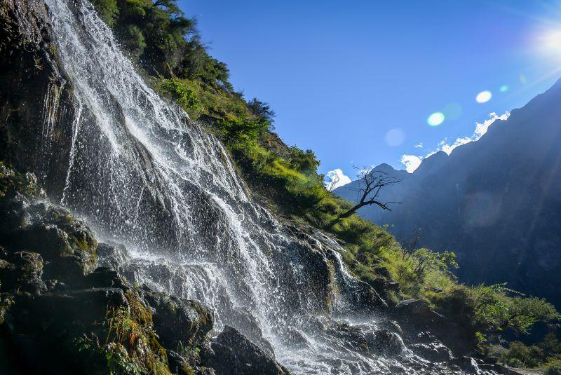 china lijiang tiger leaping gorge