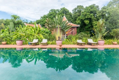 kratie cambodia trong resort swimming pool