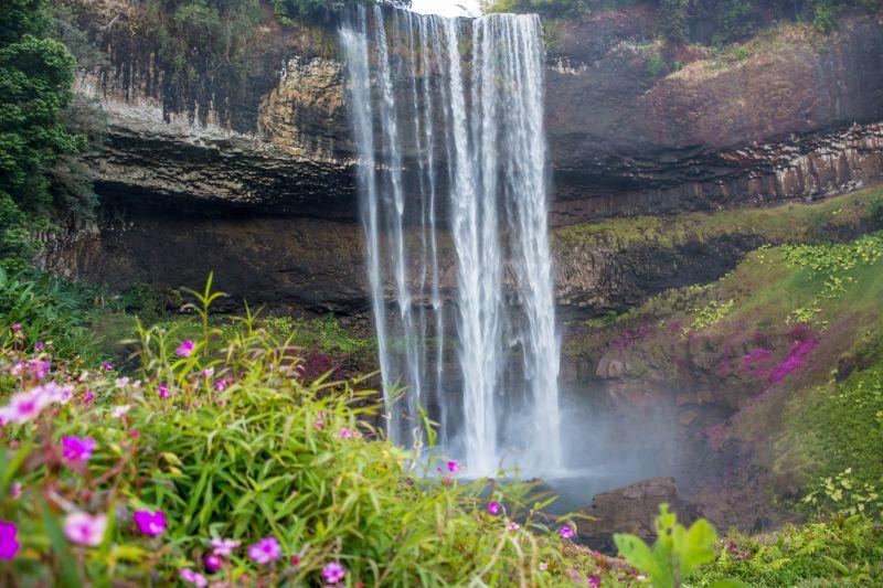 laos bolaven waterfall jarou halang