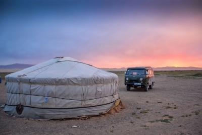 mongolia khongory els sunset yurt