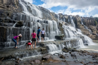dalat pongour waterfall vietnam