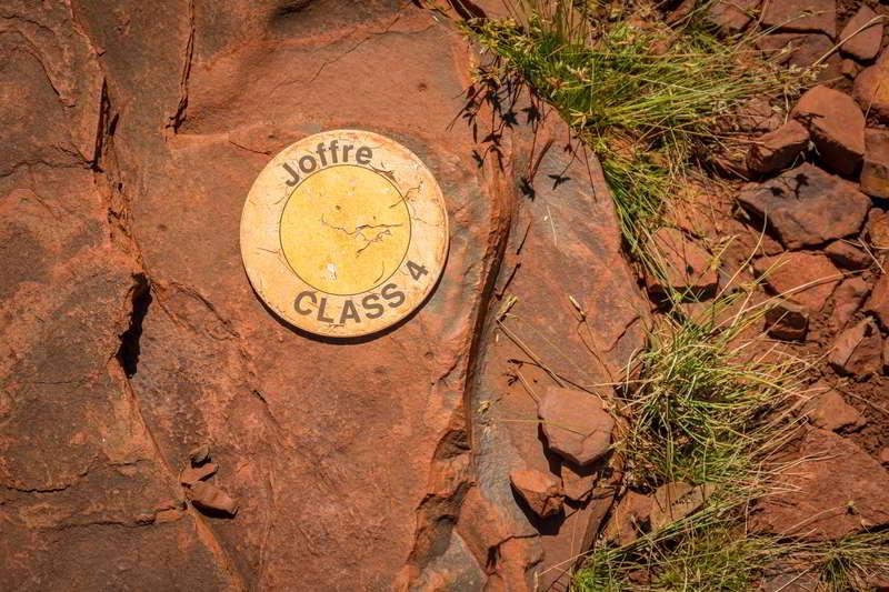 hikes karijini western australia signage