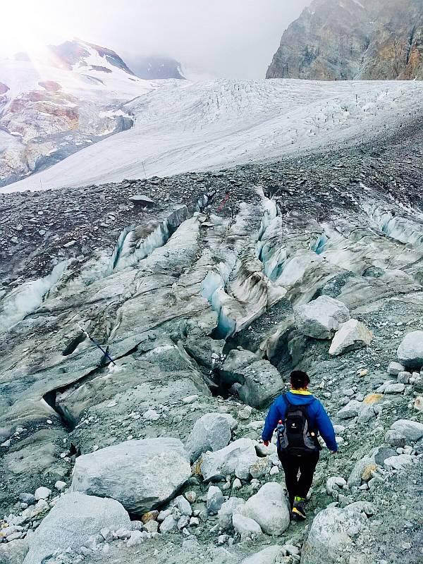 glacier trail saas fee switzerland