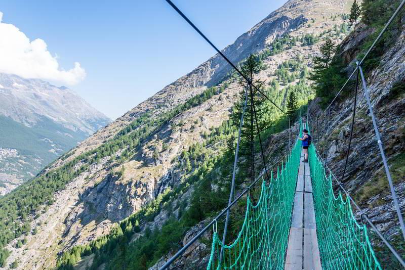 erlebenis hanging bridge saas almagell switzerland